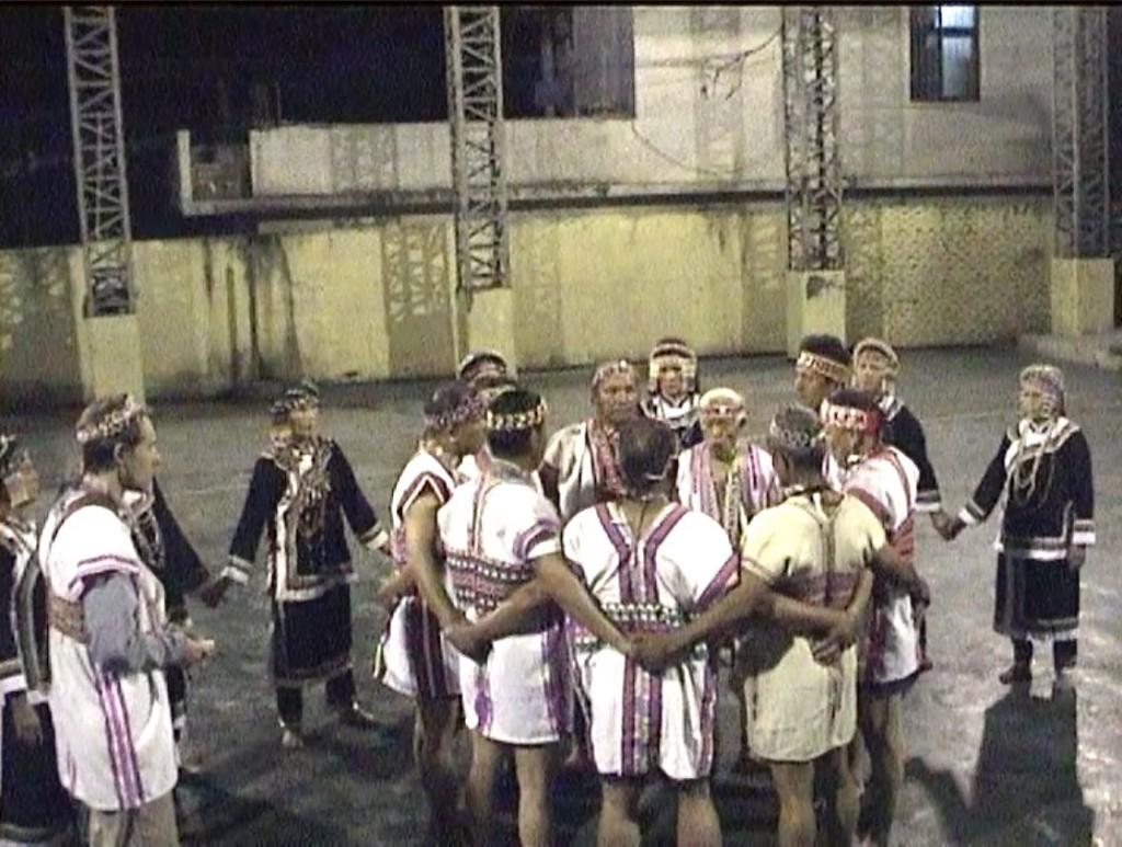 BununPasiButBut2005
